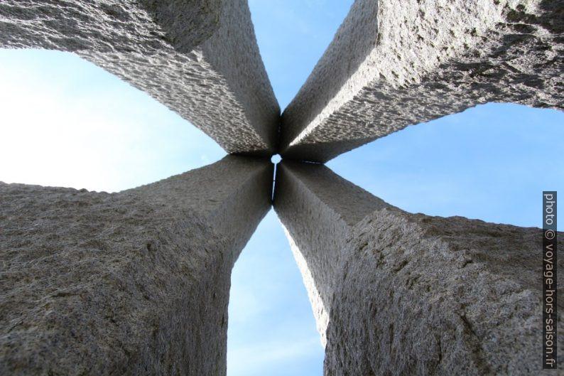 Sculpture Pilspiss sur Langøya. Photo © André M. Winter