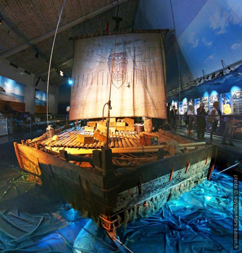 Le Kon-Tiki dans son musée. Photo © André M. Winter