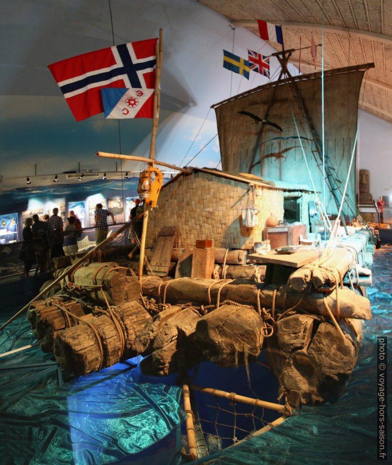 Poupe et cabine du Kon-Tiki. Photo © André M. Winter
