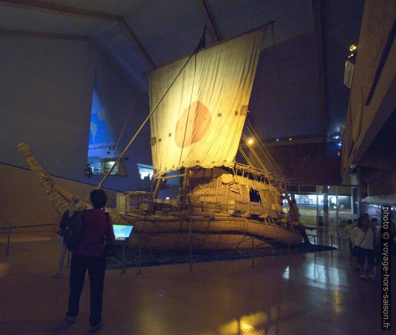 Proue de la réplique du bateau en papyrus Râ II. Photo © André M. Winter