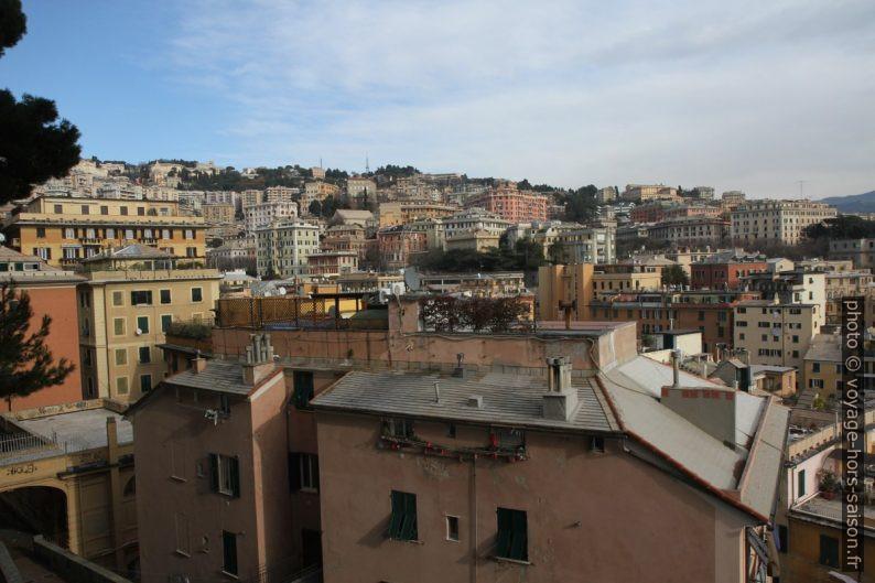 Quartiers hauts du Castelletto. Photo © Alex Medwedeff