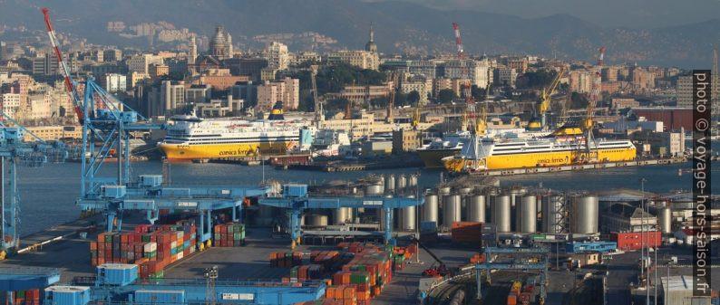 Ferrys de Corsica Ferries - Sardinia Ferries en gardiennage. Photo © André M. Winter