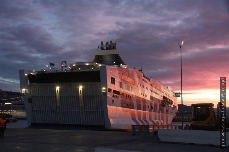 Ferry Excelsior de GNV le matin à Gênes. Photo © André M. Winter