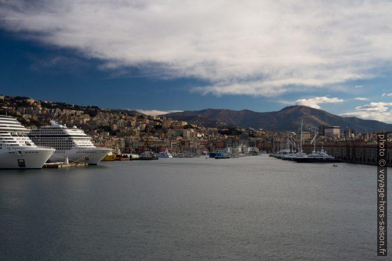 Porto Antico di Genova. Photo © Alex Medwedeff