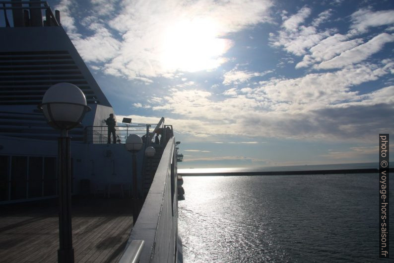 Sur le pont du Ferry Excelsior en quittant Gênes. Photo © André M. Winter