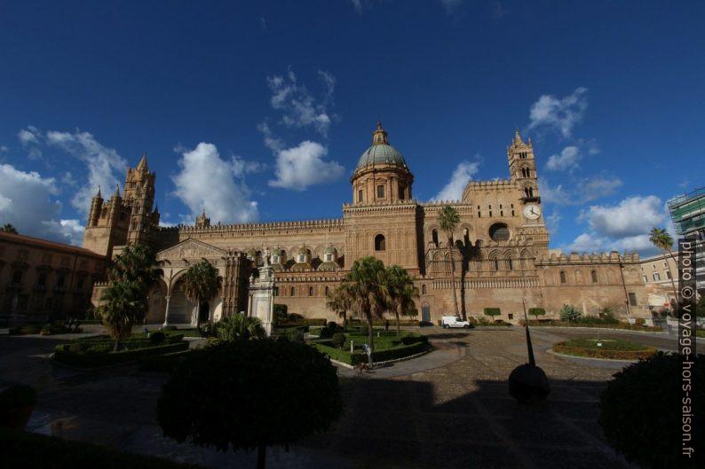 Façade latérale sud de la Cathédrale de Palerme. Photo © André M. Winter