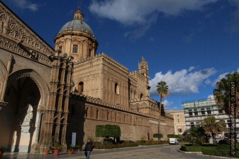 Façade sud de la cathédrale de Palerme. Photo © André M. Winter