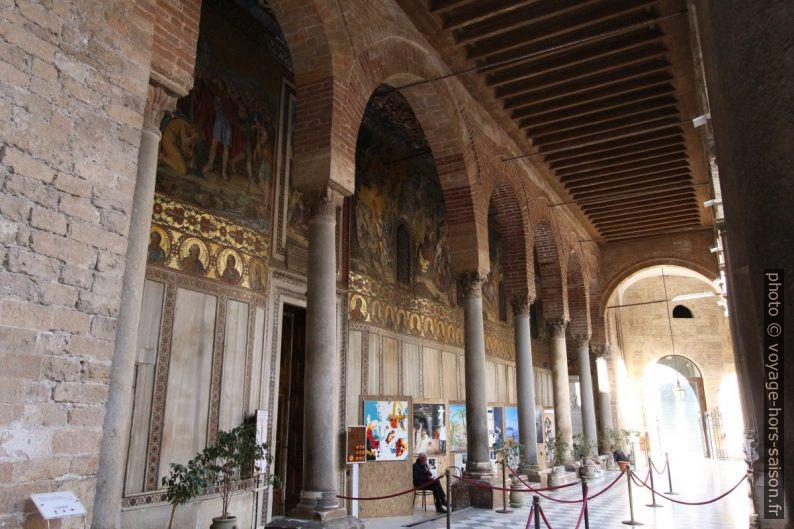 Accès à la Chapelle Palatine au premier étage du Palazzo dei Normanni. Photo © André M. Winter