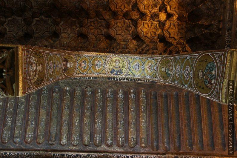 Arc avec médaillons de saints dans la Chapelle Palatine. Photo © André M. Winter