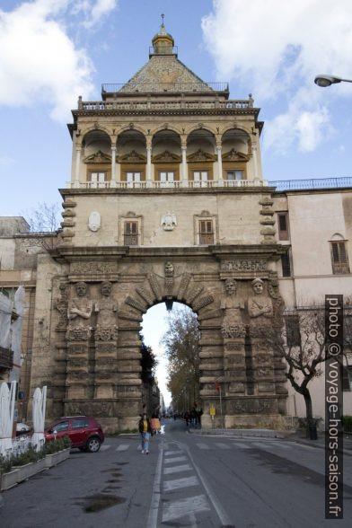 La Porta Nuova. Photo © André M. Winter