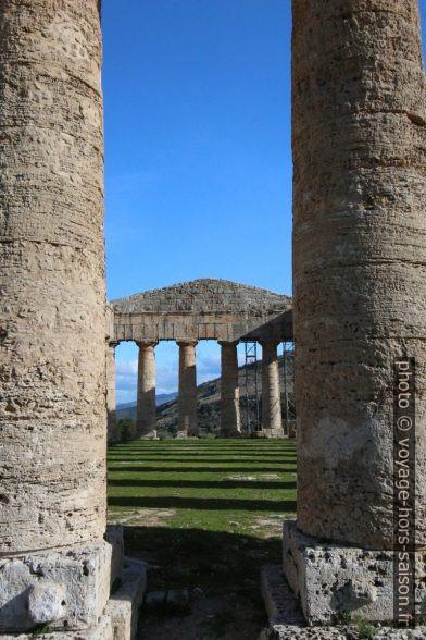 Cella inexistante du temple de Segesta. Photo © André M. Winter
