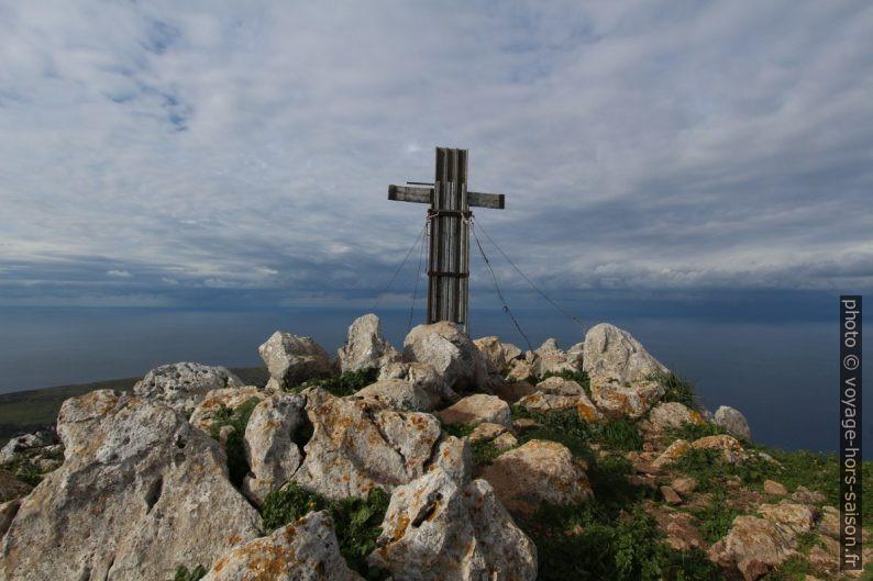 Croix sur le Monte Monaco. Photo © André M. Winter