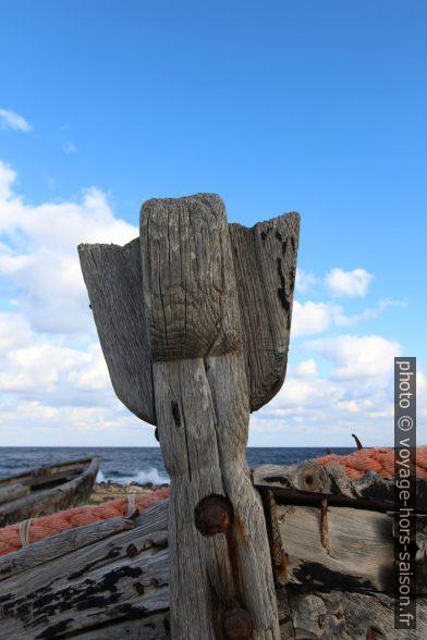 Figure de proue d'une vieille barque de pêche au thon. Photo © André M. Winter