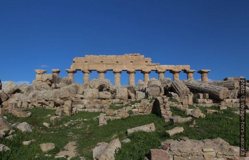 Colonnes latérales nord restaurées du temple C dans l'Acropole de Selinunte. Photo © André M. Winter