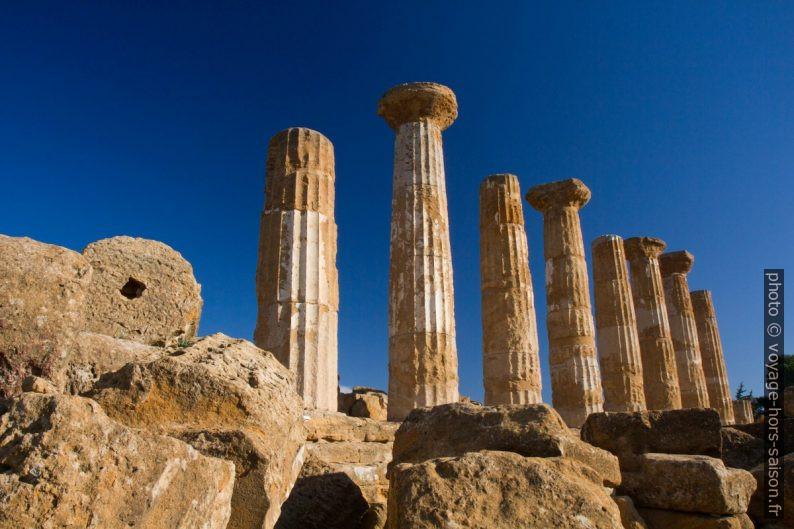 Colonnade restante du Temple d'Héraclès. Photo © Alex Medwedeff