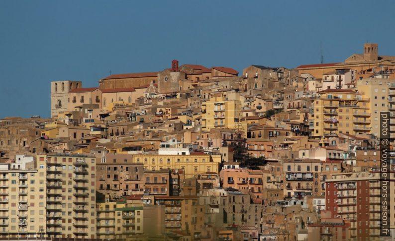 Zoom sur le centre-ville d'Agrigente. Photo © André M. Winter