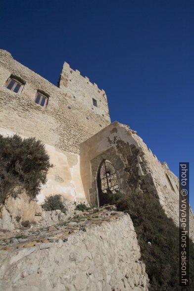 Montée vers le Castello di Montechiaro. Photo © André M. Winter