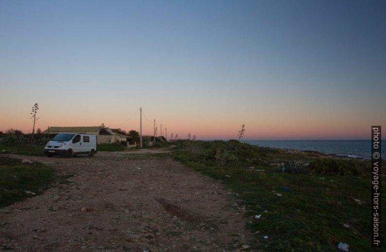 Notre trafic à la Punta Regilione. Photo © Alex Medwedeff