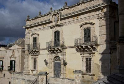 Palazzo Polara à Modica. Photo © André M. Winter