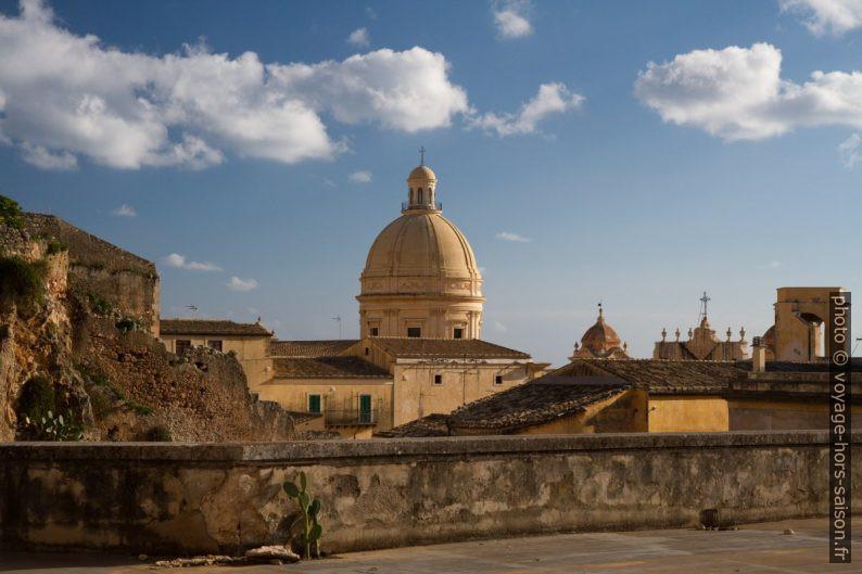 Coupole de la cathédrale de Noto. Photo © Alex Medwedeff