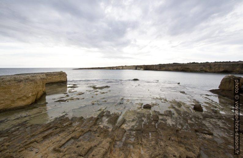 Carrière antique de pierres à la Punta della Mola. Photo © André M. Winter