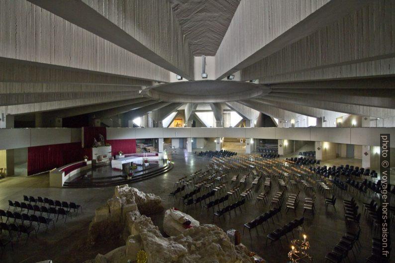 Crypte du Santuario delle Madonna delle Lacrime. Photo © André M. Winter