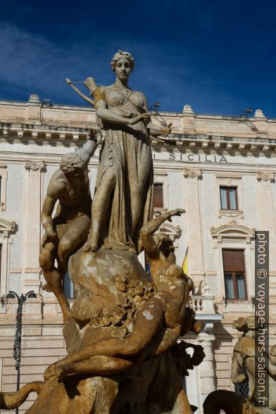 Statue sur la Fontana di Diana. Photo © Alex Medwedeff