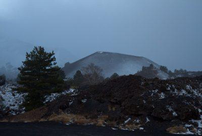 Dôme volcanique est des Monti Sartorius. Photo © Alex Medwedeff