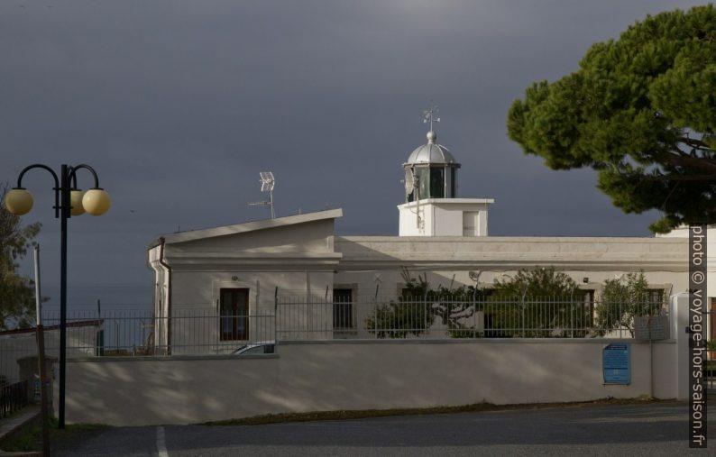 Faro Capo Vaticano. Photo © Alex Medwedeff