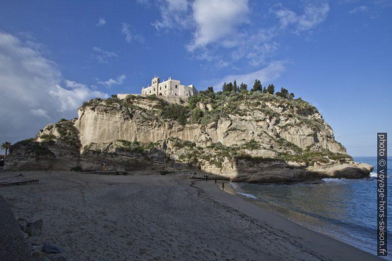 Santa Maria dell'Isola vue de l'est. Photo © André M. Winter