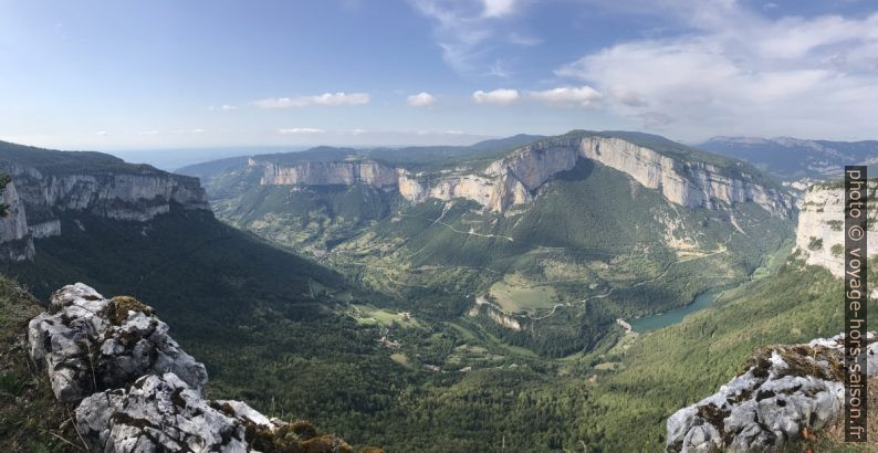 Panorama de la Vallée de la Bourne. Photo © Alex Medwedeff