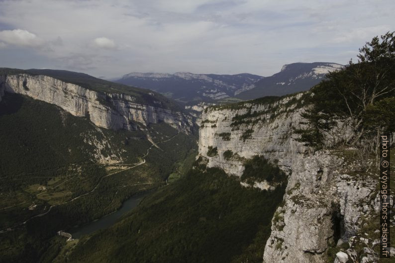 Vue vers les Gorges de la Bourne. Photo © André M. Winter