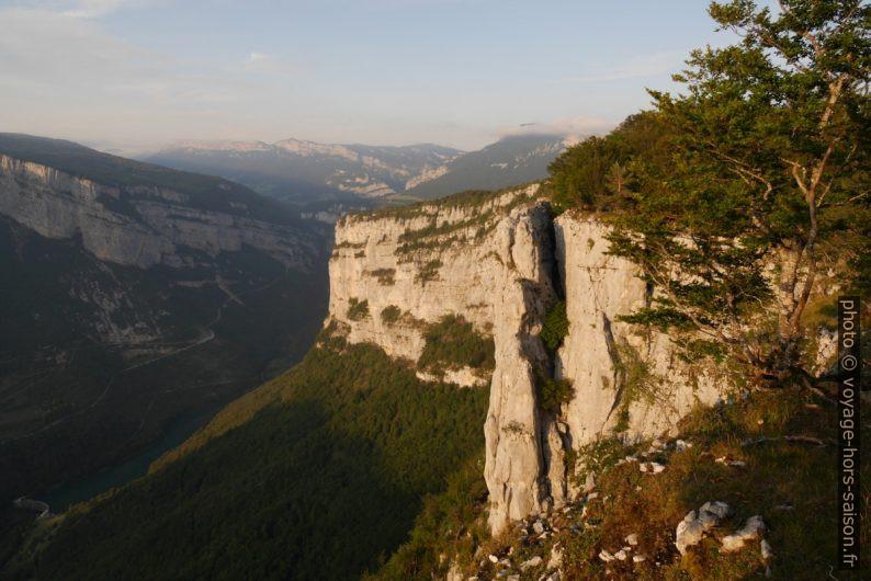 Rochers du Bournillon et les Gorges de la Bourne. Photo © André M. Winter