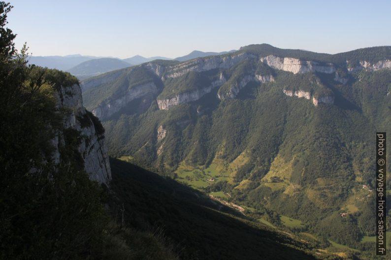 Le Rocher du Guignon vu du Pas de l'Allier. Photo © Alex Medwedeff