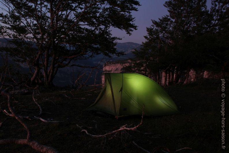 Notre tente au bord des Rochers du Bournillon. Photo © André M. Winter