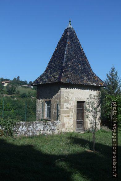 Une tourelle dans le jardin du professoir de l'Abbaye de St. Antoine. Photo © André M. Winter