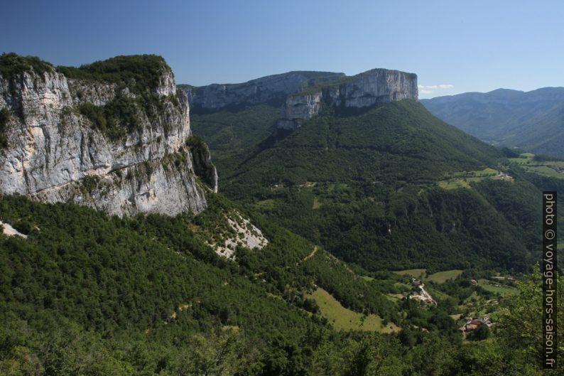 Rochers de Presles, Rochers du Bournillon et la Grande Cournouse. Photo © Alex Medwedeff