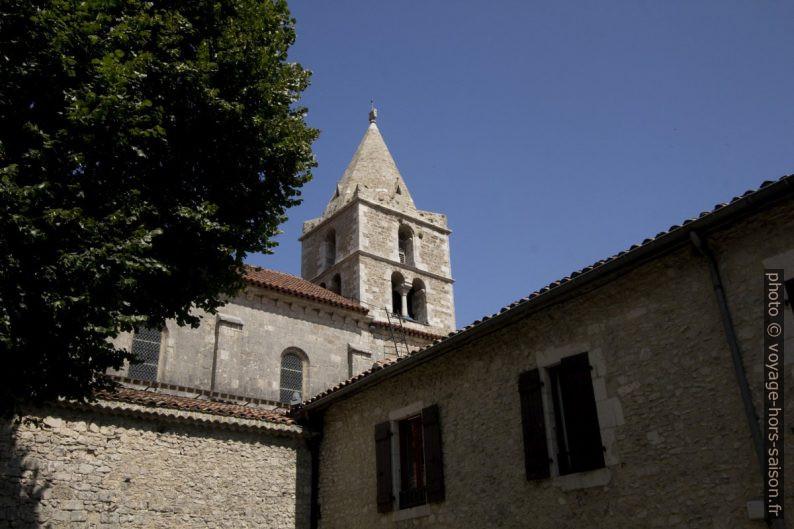 Clocher de l'église abbatiale de Léoncel. Photo © André M. Winter