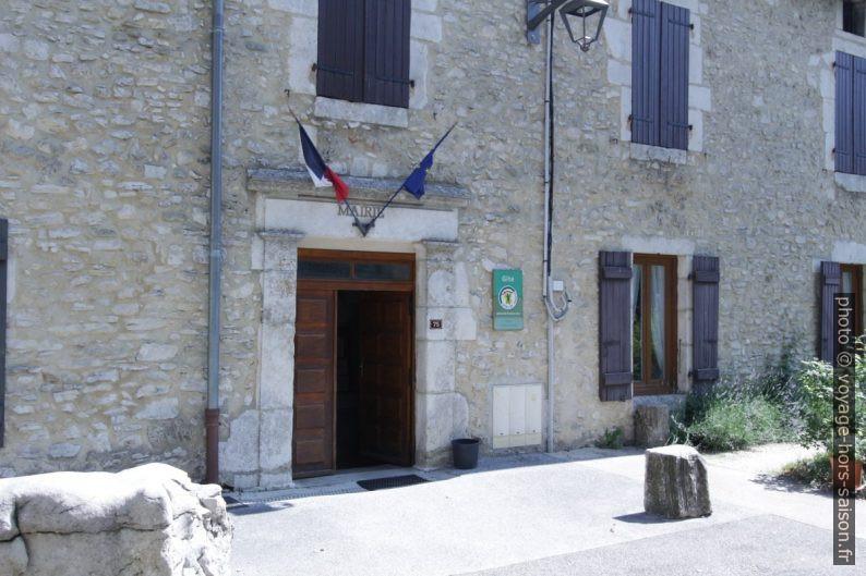 Mairie de Léoncel dans le bâtiment de l'ancienne Abbaye. Photo © André M. Winter