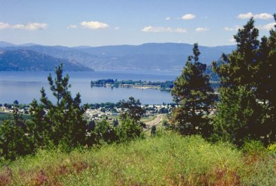 Okanagan Lake. Photo © André M. Winter