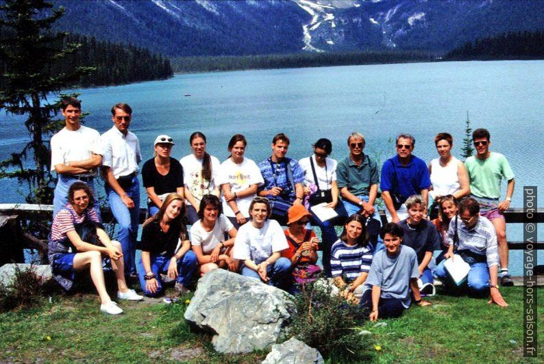 Notre groupe devant l'Emerald Lake. Photo © André M. Winter