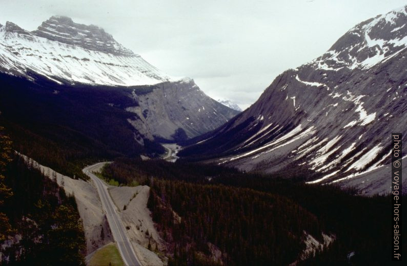 Icefield Parkway. Photo © André M. Winter