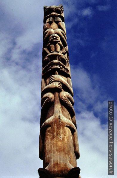 Mât totémique des amérindiens Gitxsan. Photo © André M. Winter