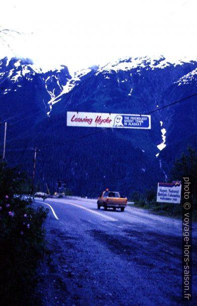 Panneau Leaving Hyder. Photo © André M. Winter