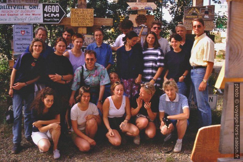 Notre groupe devant notre panneau dans le signpost forest