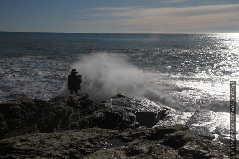 André à l'arrière de l'écume montante à la Punta Bianca. Photo © Alex Medwedeff