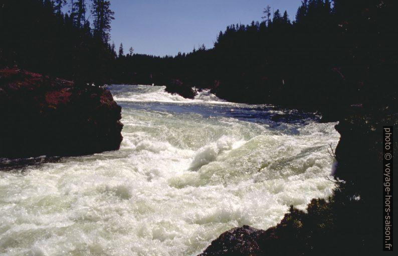 Le Yellowstone River en amont des Lower Falls. Photo © André M. Winter