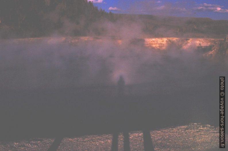 Halo dans les vapeurs d'un Hot Spring. Photo © André M. Winter