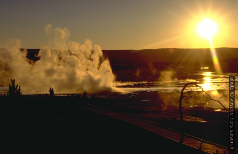 Coucher de soleil sur le Lower Geysir Basin. Photo © André M. Winter