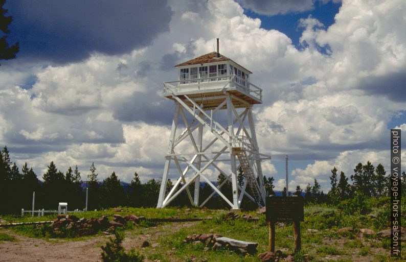 Ute Mountain Fire Lookout Tower. Photo © André M. Winter